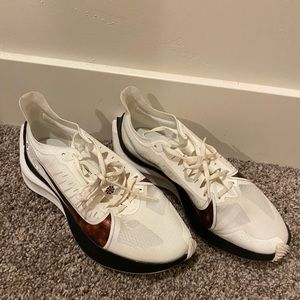 Nike Zoom Gravity Running Shoe Size 7